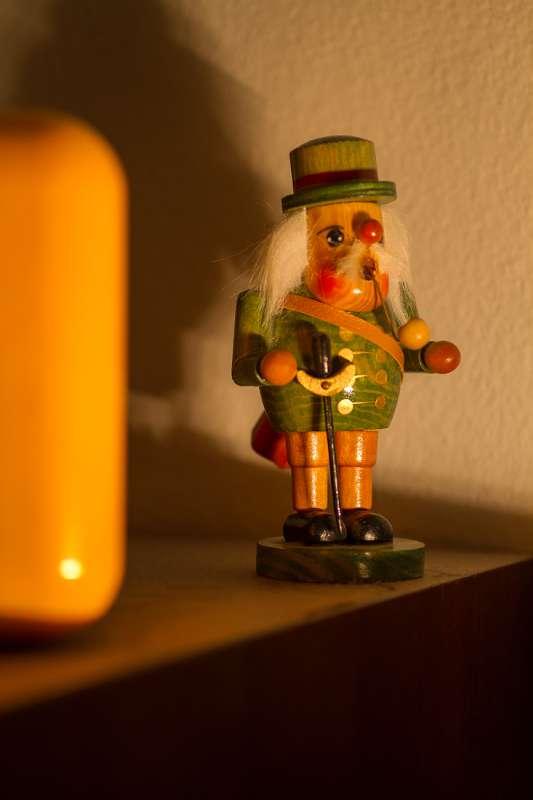 Detailaufnahme einer Holzfigur..