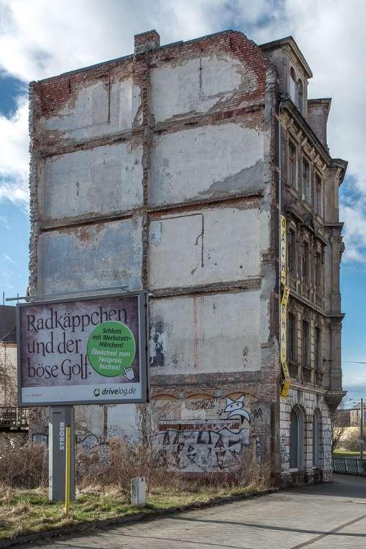 Das Nachbargebäude des Gebäudes in der Engertstrasse in Leipzig wurde weggerissen.