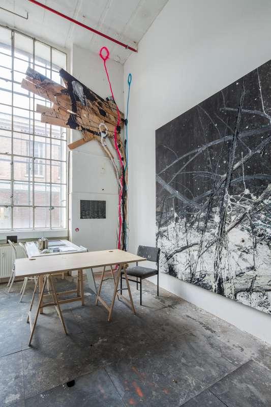 Blick in das Atelier von Helge Hommes.