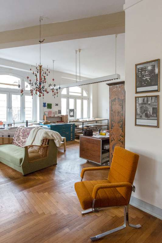 Blick in den großen Raum von Bertram Haudes Atelier.
