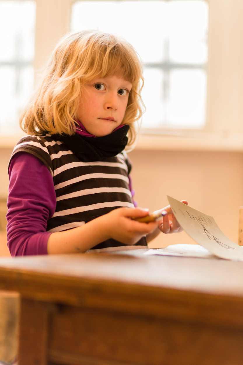 Ein Buchkind bei der Arbeit.