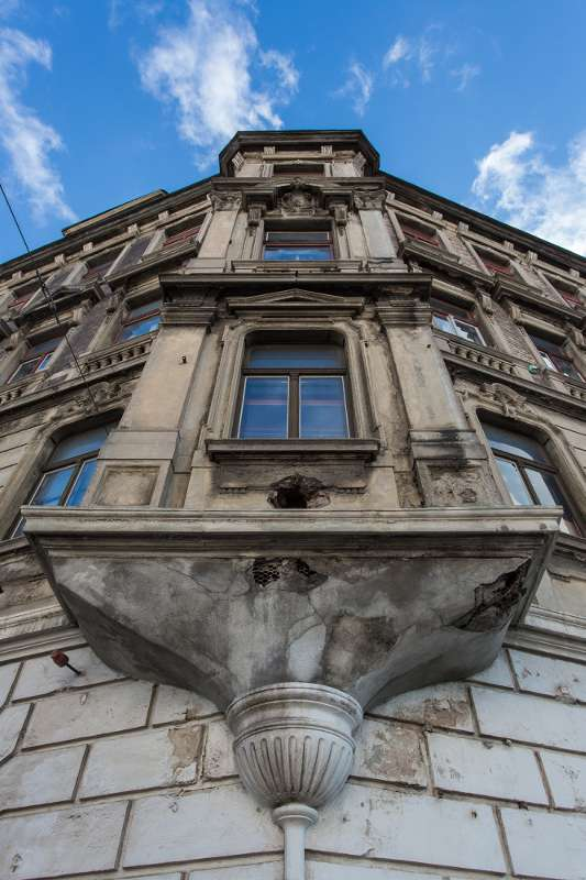 Blick von unten auf die Erker des Wächterhauses in der Engertstrasse Leipzi.