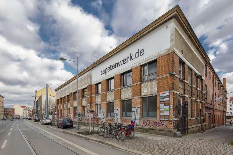 Der Haupteingang des Tapetenwerks an der Lützner Straße in Leipzig Lindenau.