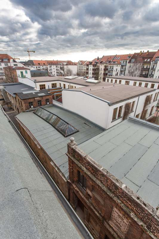 Blick über Leipzig Lindenau von einem Dach des Tapetenwerks.