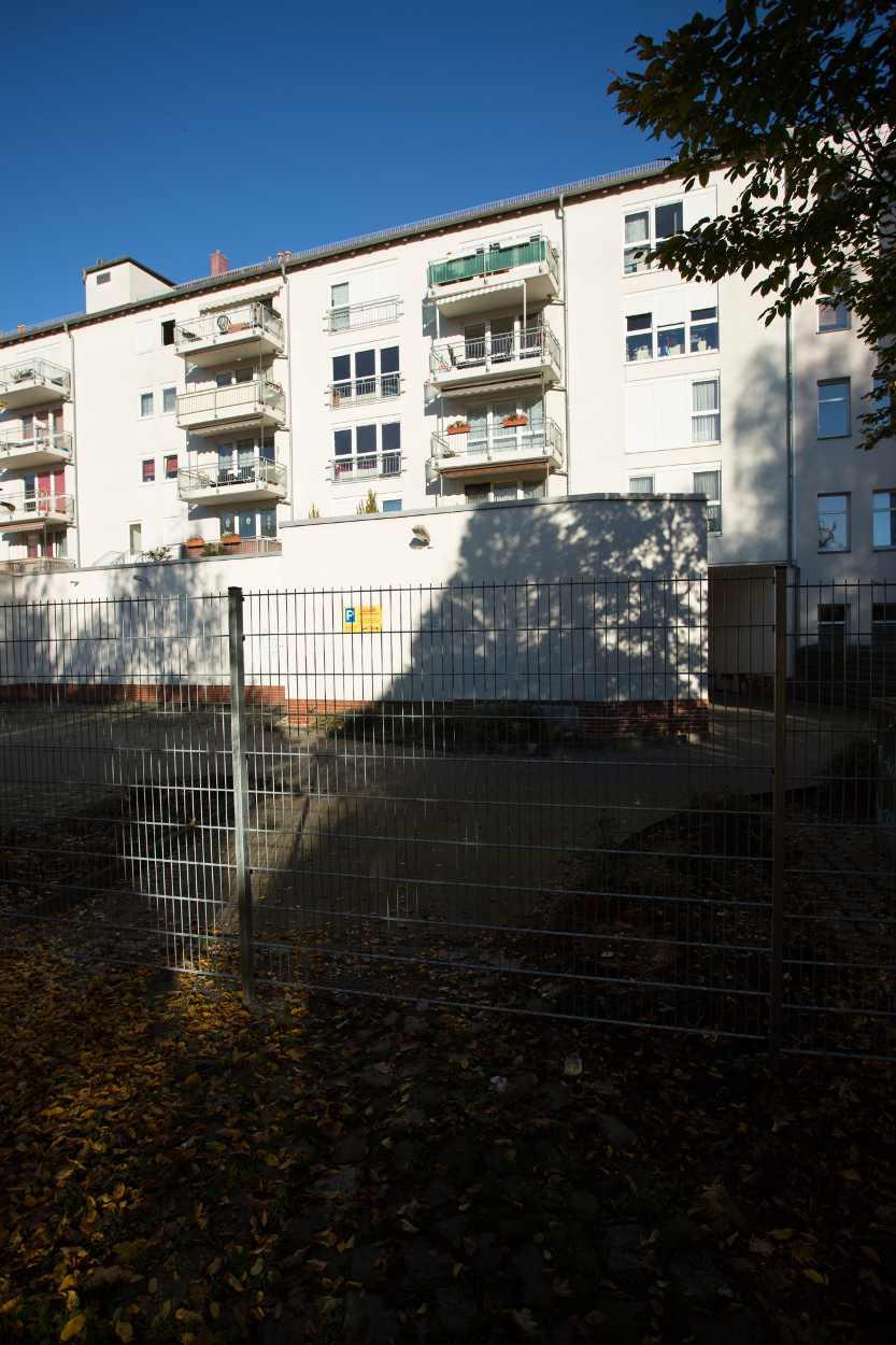 Der Zaun, der das Ende des Henriettenparks Richtung GutsMuthsstraße zur Sackgasse macht. Und damit den Fluß der Wegeverbindung stoppt.
