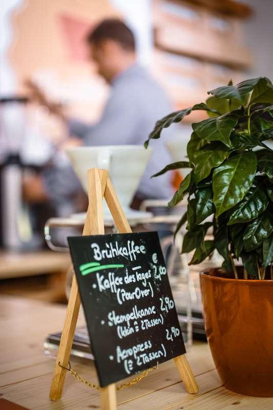 Blick in das Café Brühbar in Leipzig Plagwitz
