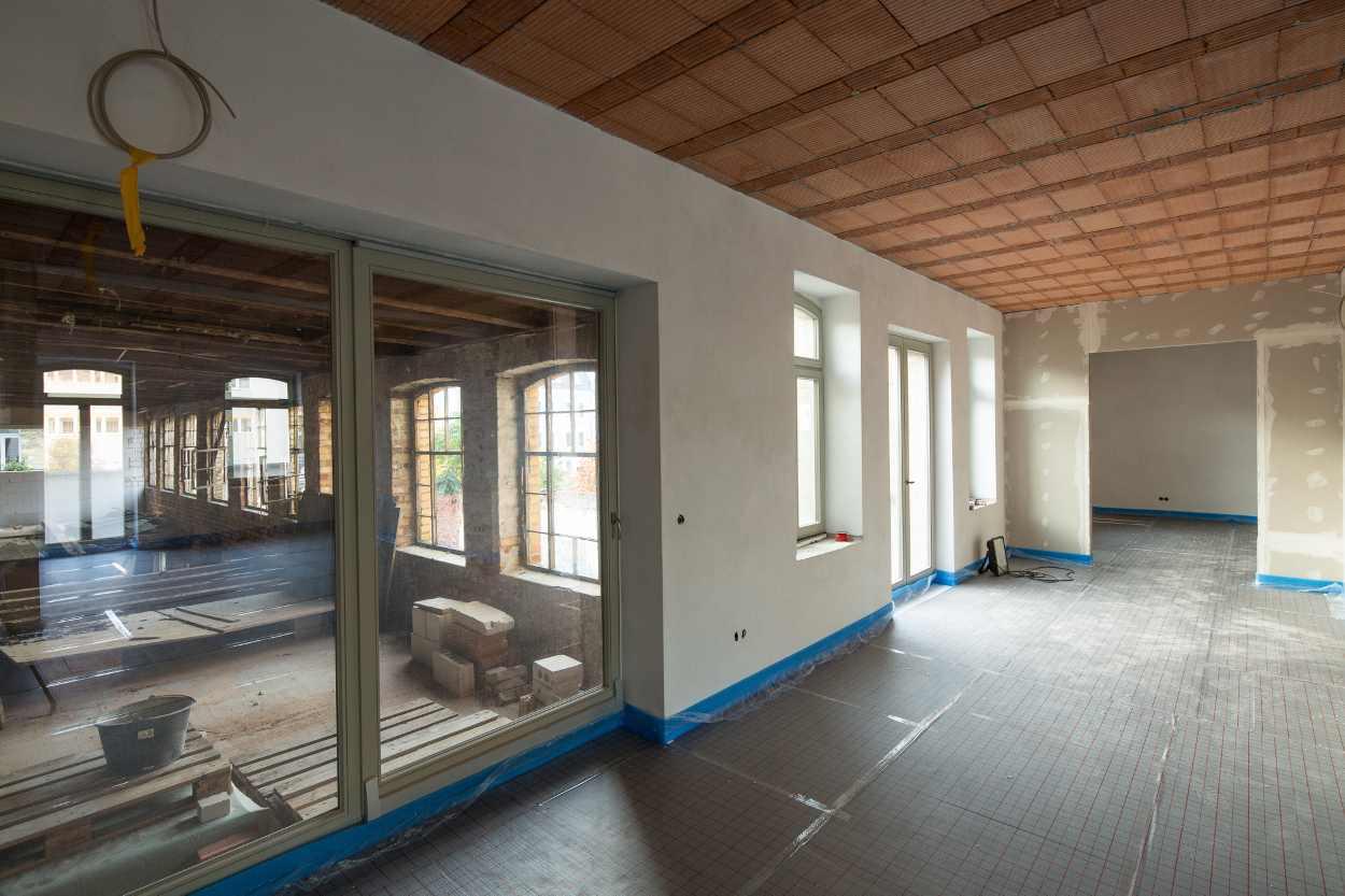 Innenausbau des zu sanierenden Gebäudes im Bildhauerviertel Leipzig