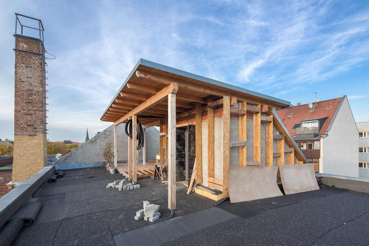 Dank des Bauparagrafen 34 war es möglich, auf dem Dach des Gebäudes eine Terrasse zu schaffen.