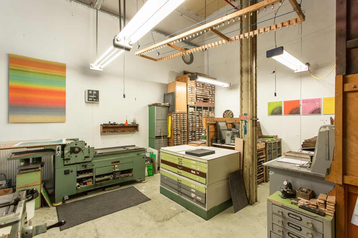 Blick in die Werkstatt des Buchdruckers Thomas Siemon in Leipzig Lindenau.