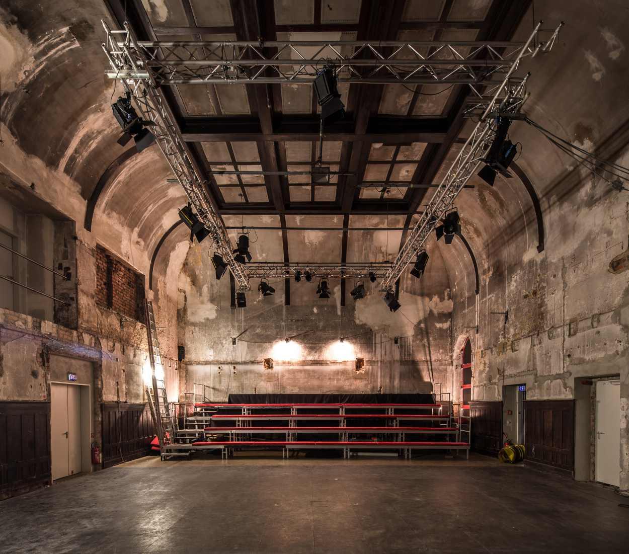 Blick in den ehemaligen Tanzsaal im Westflügel Lindenfels.